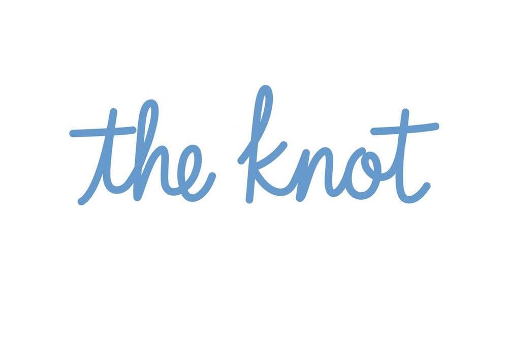 https://oakwoodcleaners.com/wp-content/uploads/2019/08/logo-theknot.jpg